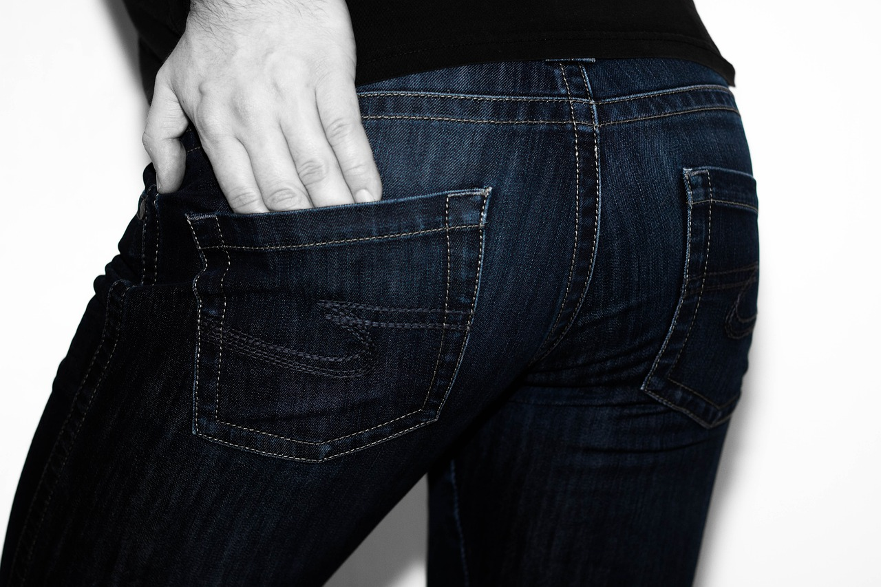 3 reasons people have skin peels on their buttocks